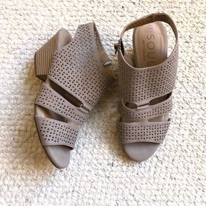 Naturalizer Dez booties